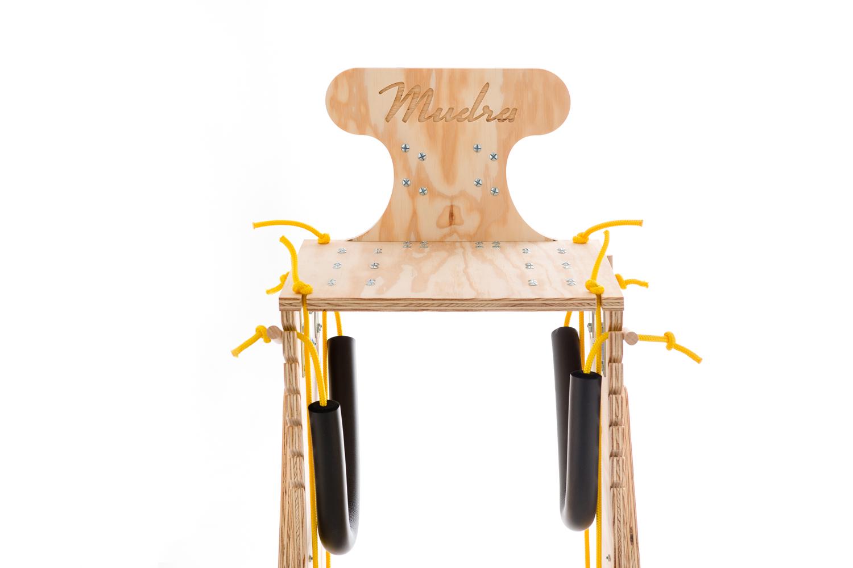 chariot pour chien handicape du train arriere - Finition bois naturel - Lacets jaunes